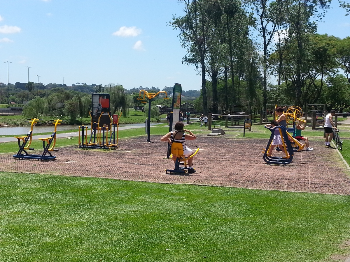 Fitness stations in Parque Barigui, Curitiba